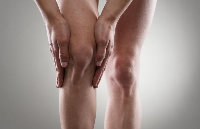 rejuvenecimiento-rodillas-clinica-estetica-hombre-clever-man-sevilla